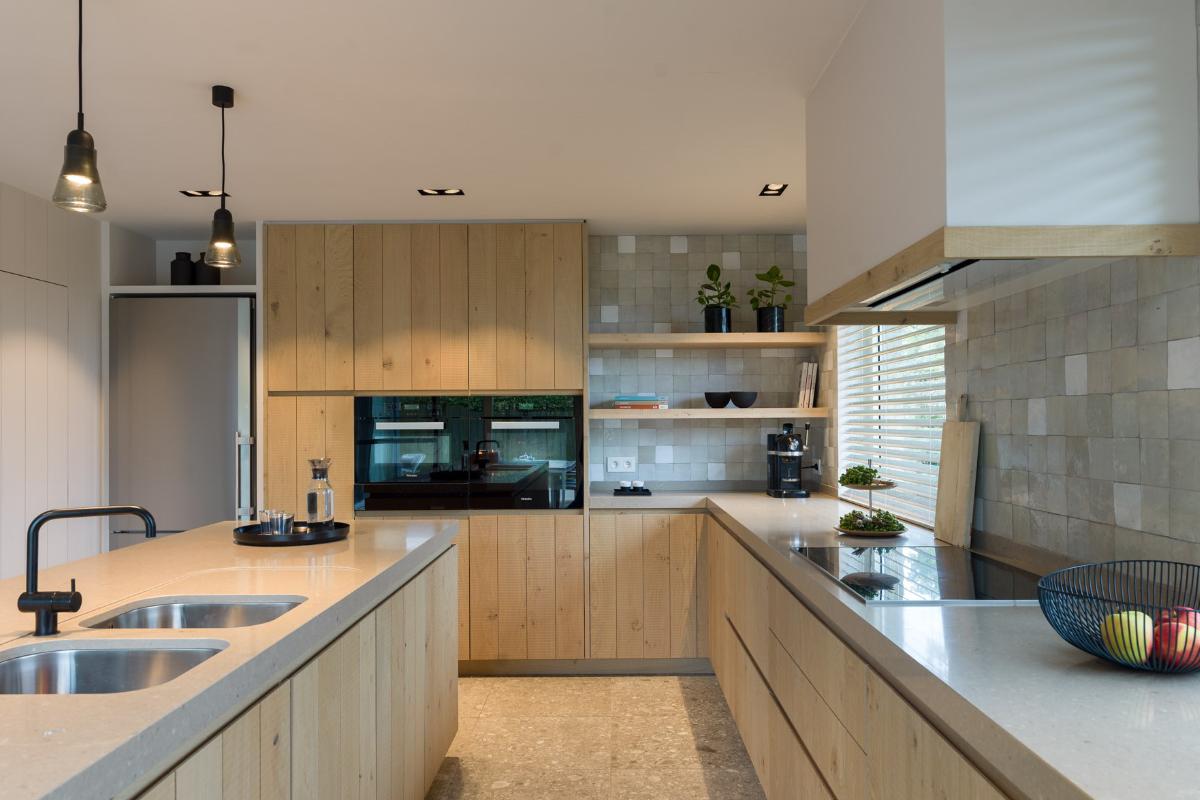 Landelijk Keuken Modern : Strak landelijk interieur met kleuraccenten