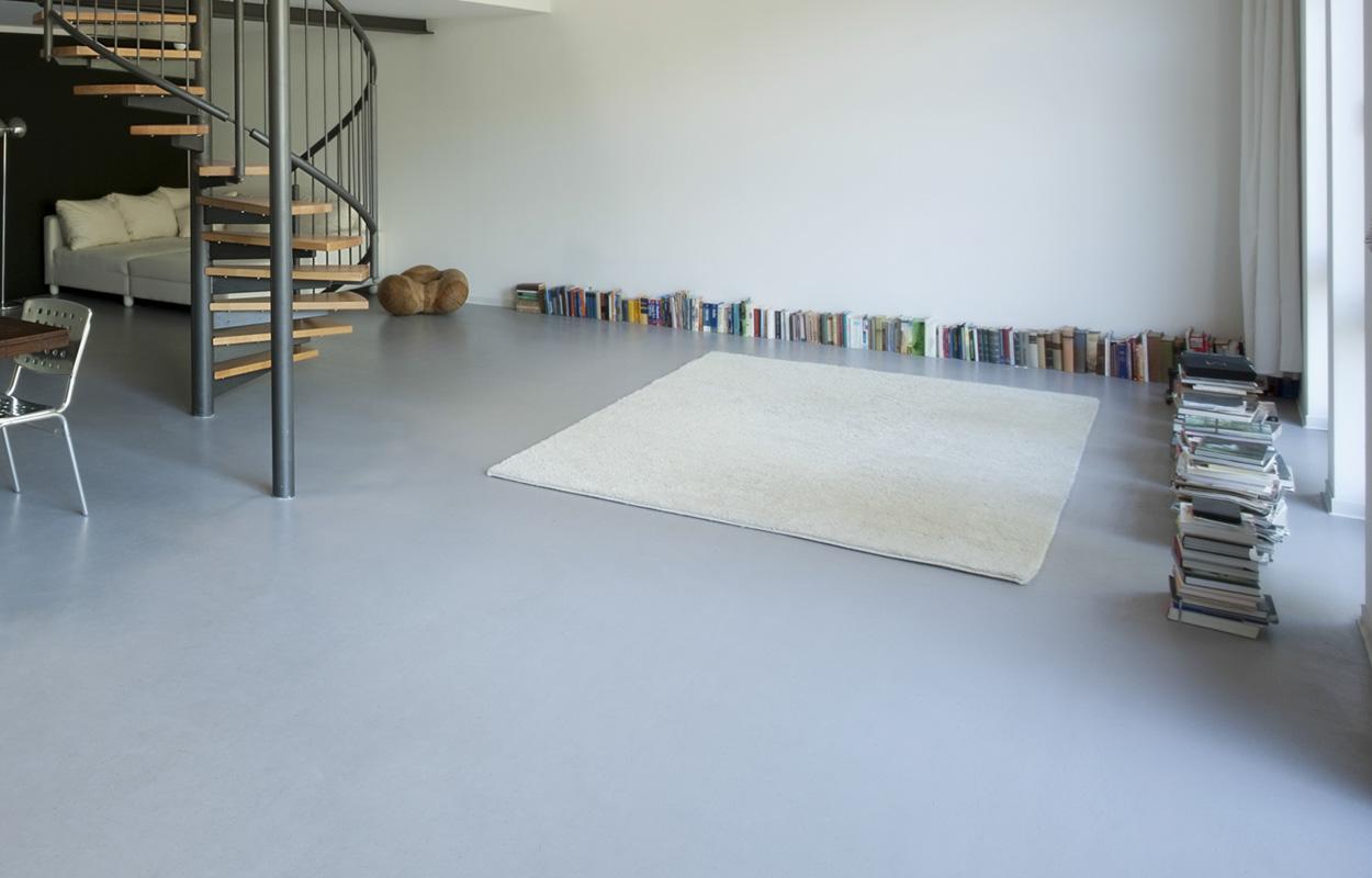 Woonkamer Met Grijze Vloer: Woonkamer met grijze houten vloer pictures ...