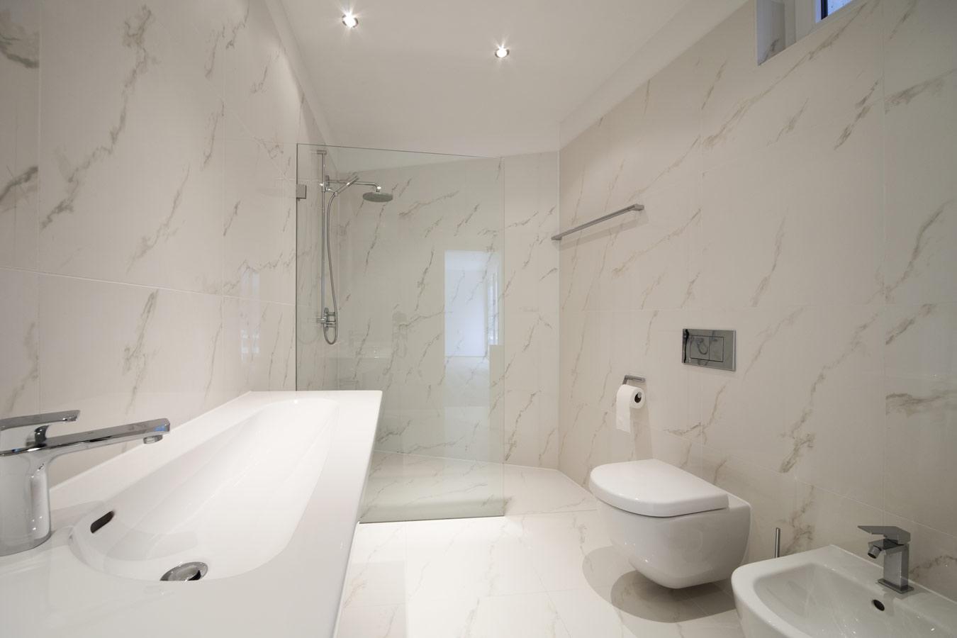 Badkamer Ideeen Grijs Wit.Moderne Badkamers Inspiratie Foto S En Tips