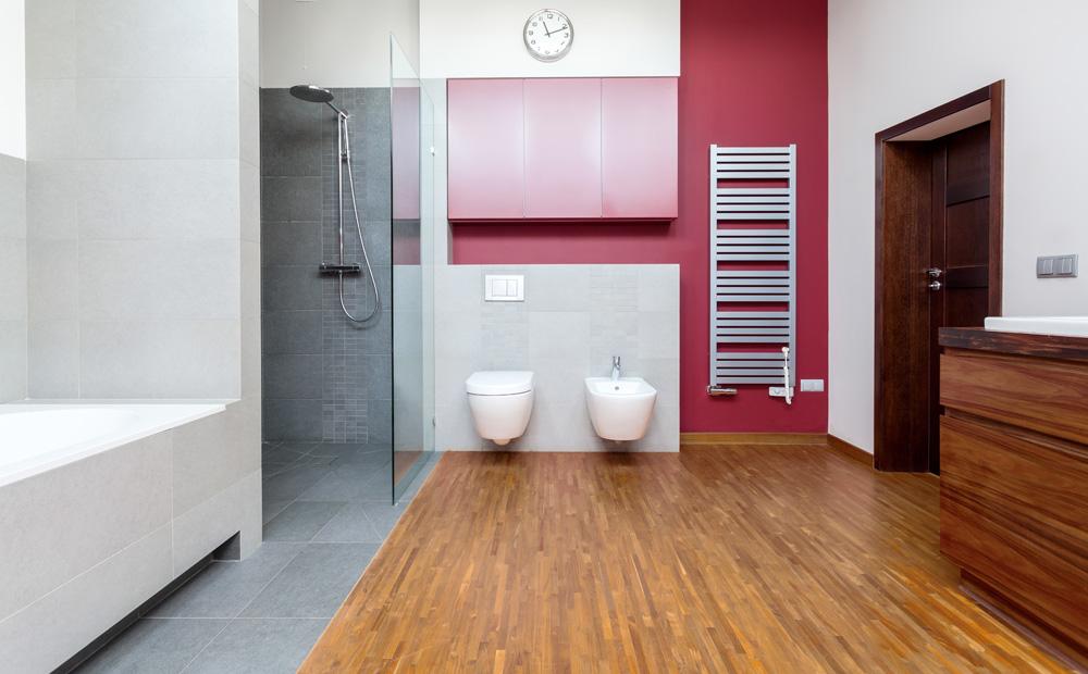 Badkamer parketvloer badkamer ontwerp idee n voor uw huis samen met meubels die - Badkamer imitatie parketvloer ...