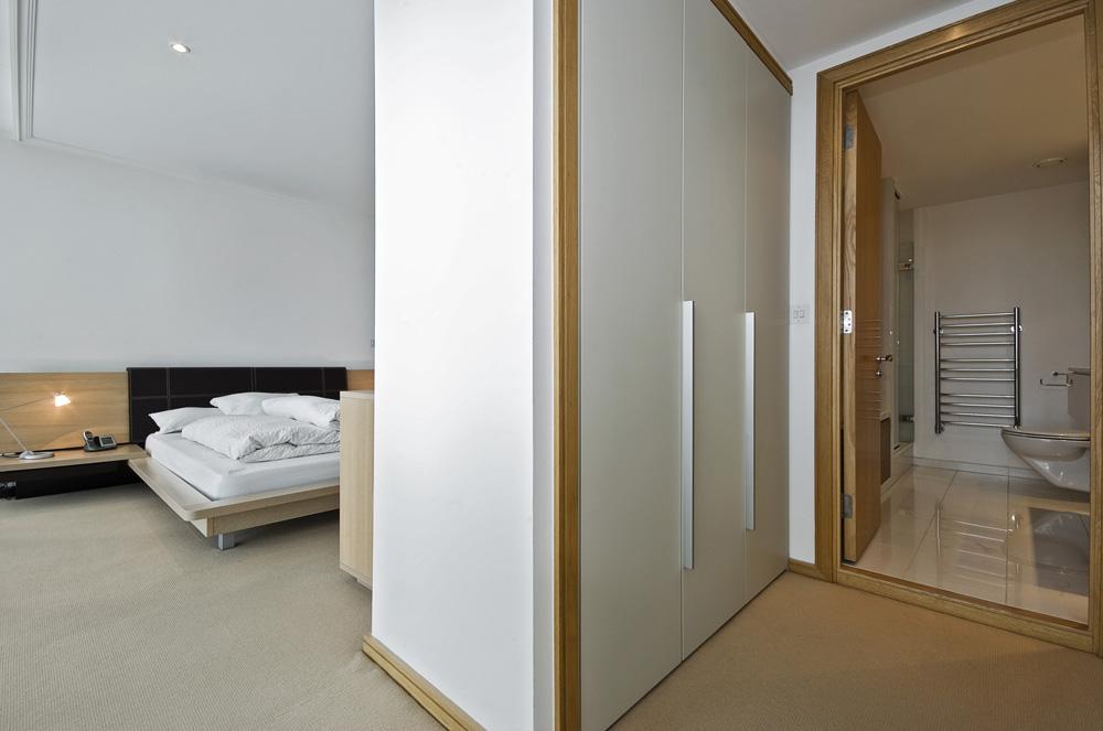 Tips voor een geslaagde dressing inrichting - Slaapkamer met kleedkamer en badkamer ...