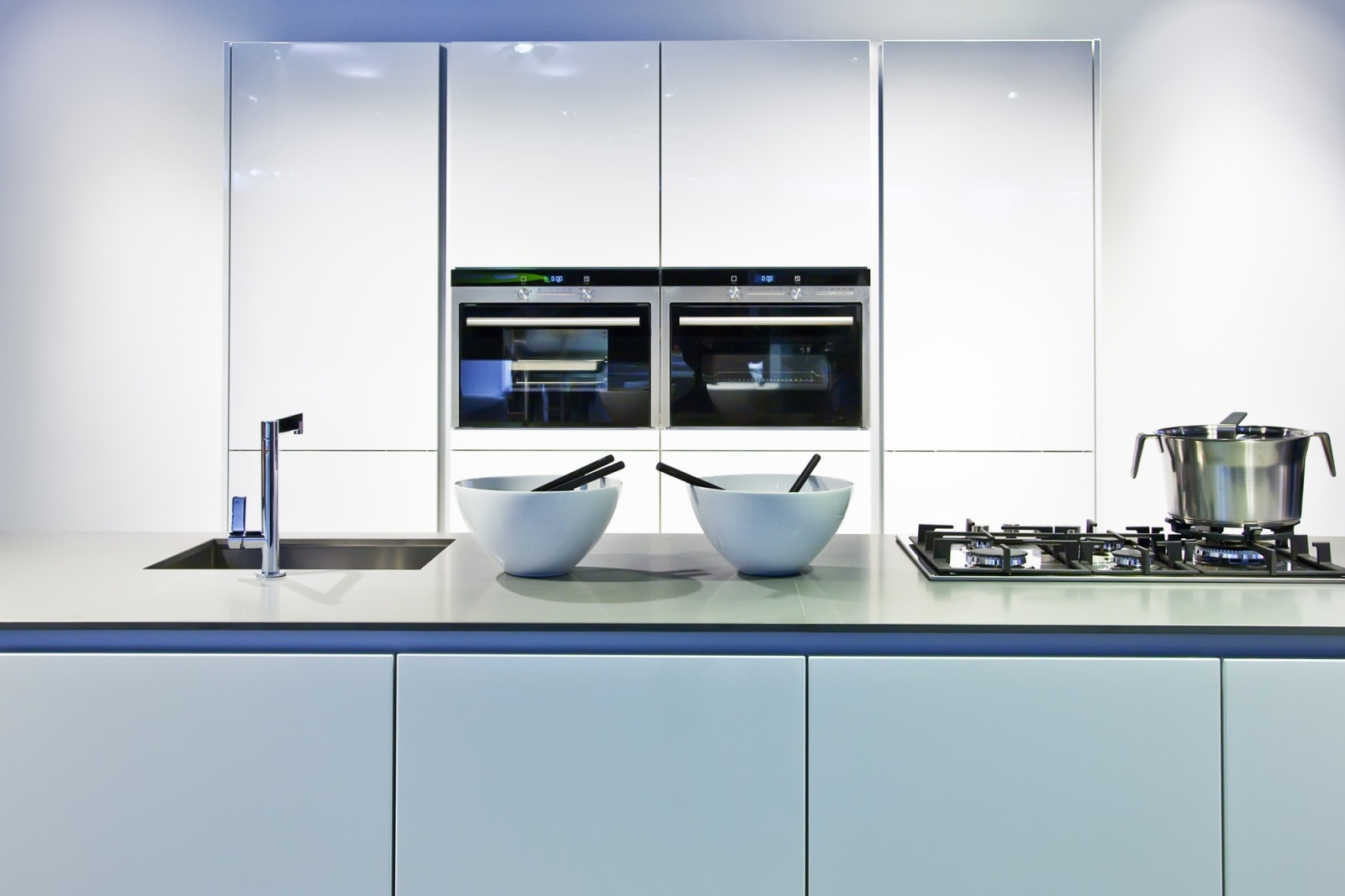 Moderne keukens idee n inspiratie - Kleine keukenuitrustingstudio ...