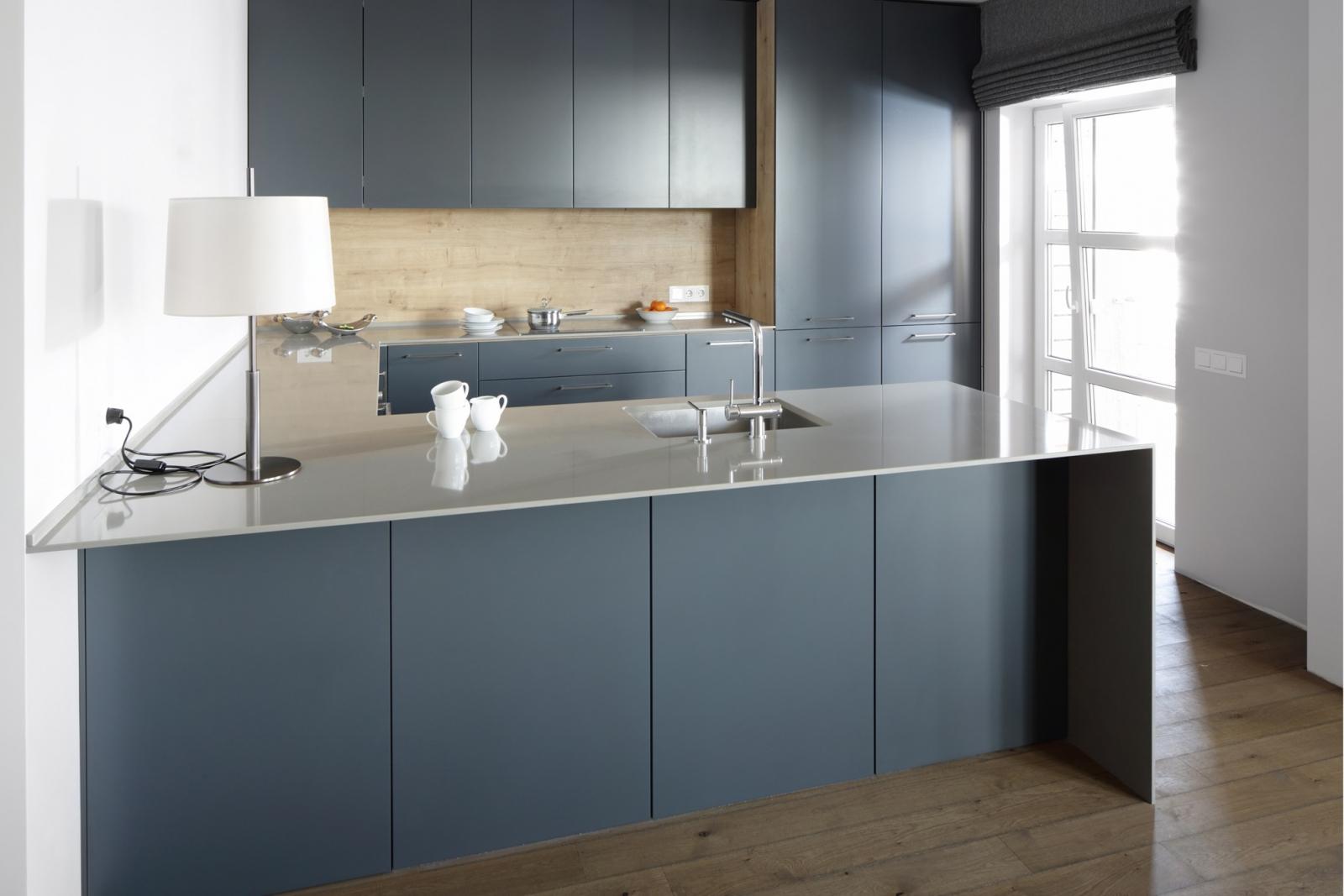 Keukenwerkbladen geschikte materialen en hun prijzen - Keuken wit en blauw ...