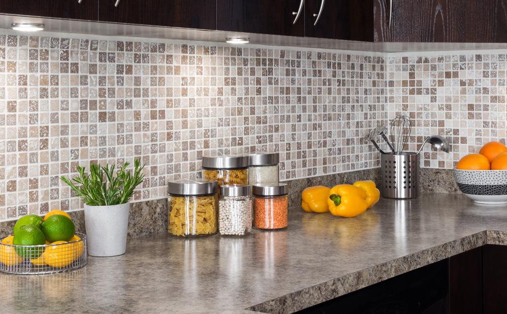 Keukentegels Met Afbeeldingen : Spatwand keuken Materialen en hun eigenschappen