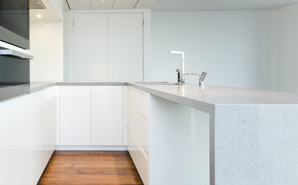 Graniet werkblad in de keuken soorten voorbeelden for Keuken marmer blad