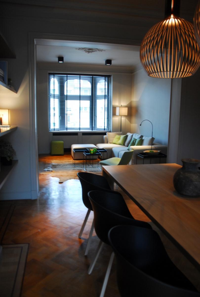 Gerenoveerd herenhuis met bewaarde elementen te Brugge   BInnenkijken