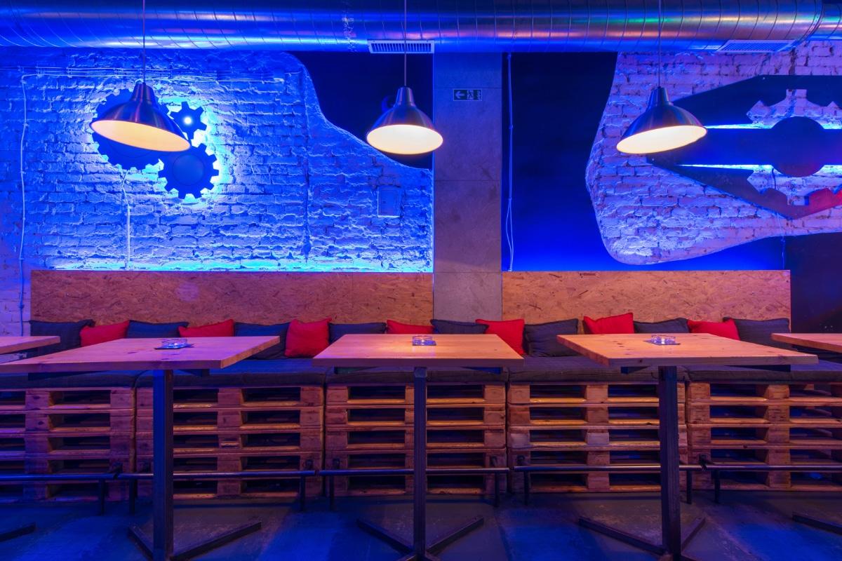 Bar met palletten