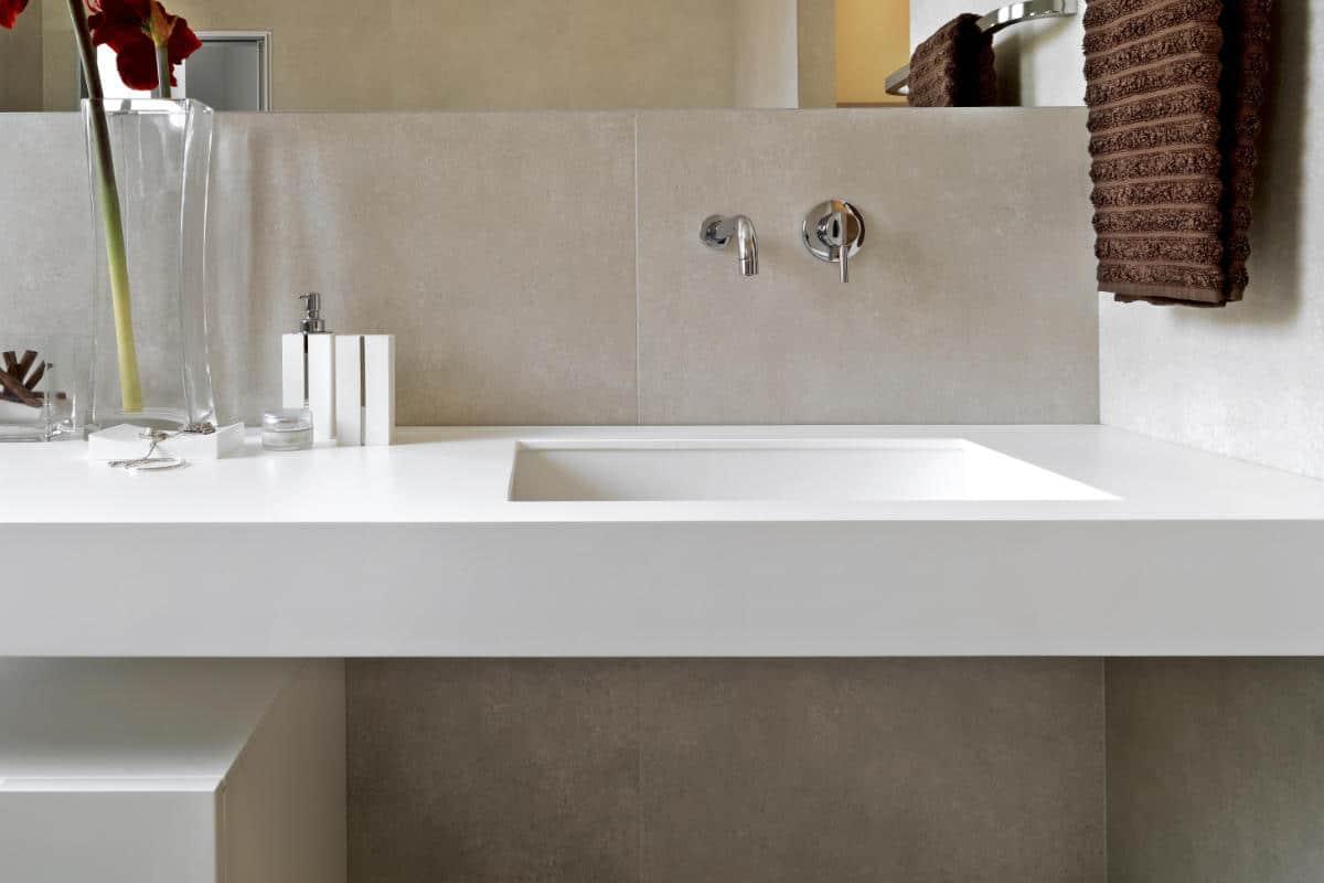 Betonlook tegels in de badkamer