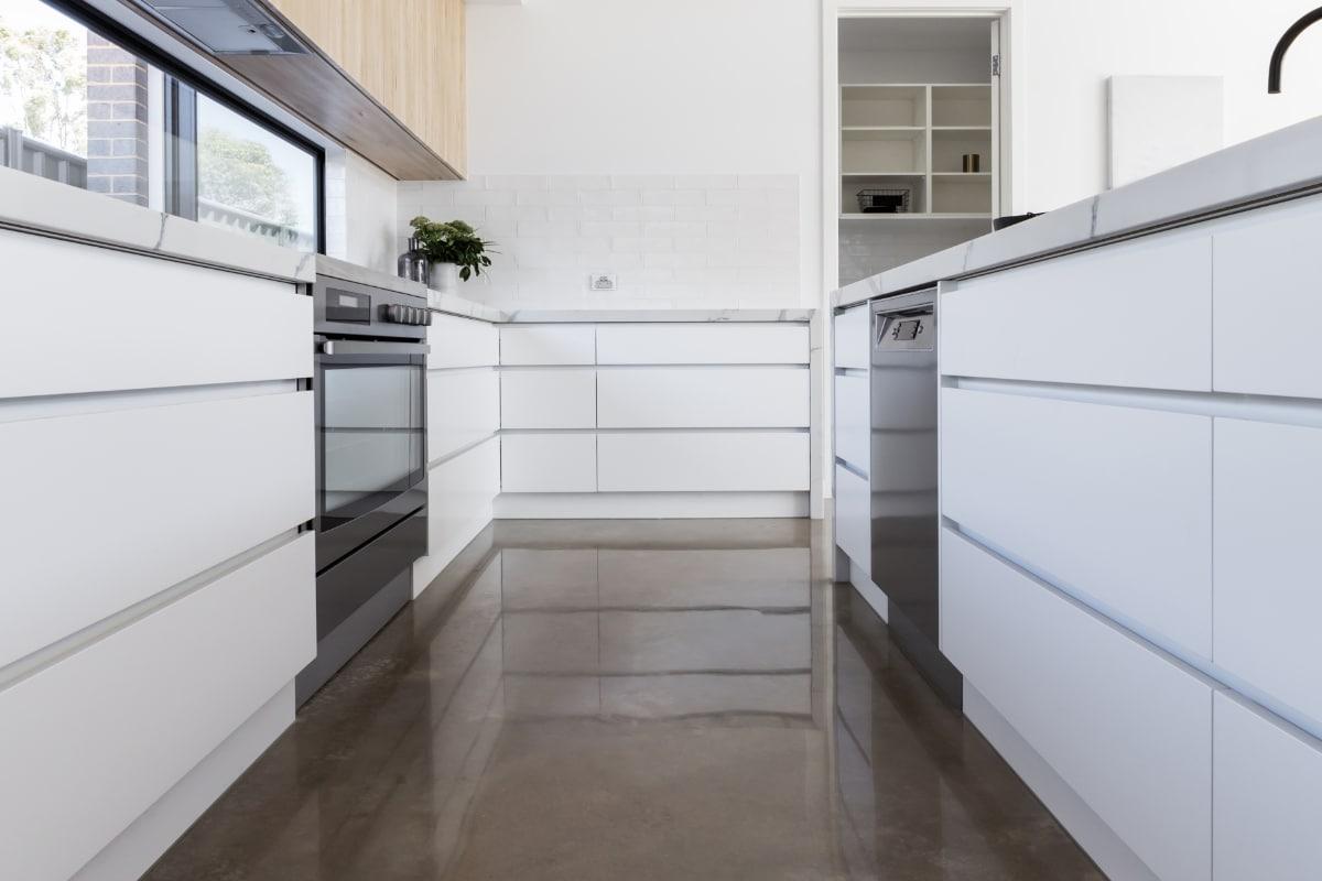 betonvloer keuken plaatsen
