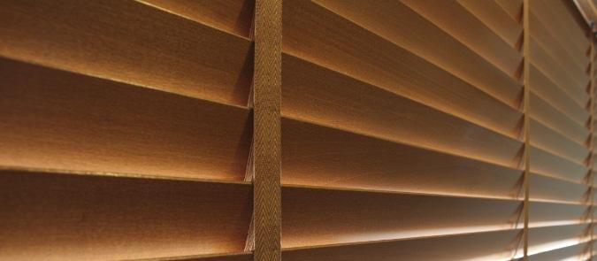 houten jaloezieen plaatsen